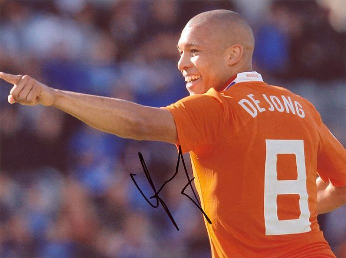Nigel de Jong, Holland, signed 10x8 inch photo.